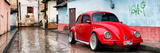 ¡Viva Mexico! Panoramic Collection - Red VW Beetle Car in San Cristobal de Las Casas II Fotografie-Druck von Philippe Hugonnard