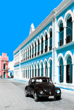 ¡Viva Mexico! Collection - Black VW Beetle and Blue Architecture - Campeche Fotografie-Druck von Philippe Hugonnard