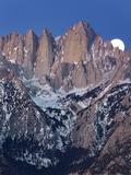California, Mt. Whitney. Full Moon Sets Behind Mountain Fotoprint van Jaynes Gallery