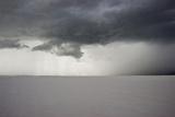 Utah, Bonneville Salt Flats. Approaching Thunderstorm Fotografisk trykk av Judith Zimmerman