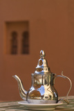Africa, Morocco, Dades Gorge. Tea Service Reflects the Colors of Steep Walls Fotografisk tryk af Brenda Tharp