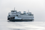 Washington State, Puget Sound. Ferry with Dense Fog Bank Limiting Visibility Reproduction photographique par Trish Drury