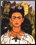 Portrait with Necklace Monteret tryk af Frida Kahlo