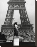 La Tour Eiffel En Liberté, 1969 Trykk på strukket lerret av Robert Doisneau