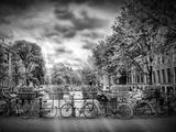 Amsterdam Gentlemens Canal Typical Cityscape In Monochrome Stampe di Melanie Viola