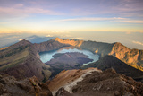 The Mt. Rinjani Crater and a Shadow Cast from the Peak at Sunrise Impressão fotográfica por John Crux