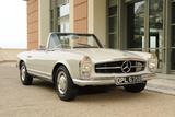 Mercedes Benz 230SL 1963 Valokuvavedos tekijänä Simon Clay