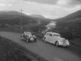 Frazer-Nash BMW 319 - 55 of E Violet Watson passing Bill Brunells Standard, Scottish Rally, 1938 Reproduction photographique par Bill Brunell