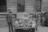 Rover 4-door saloon of FD Cooper at the South Wales Auto Club Welsh Rally, 1937 Reproduction photographique par Bill Brunell