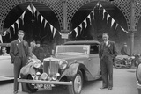 MG SA of DJ Farqaharson at the RAC Rally, Madeira Drive, Brighton, 1939 Reproduction photographique par Bill Brunell