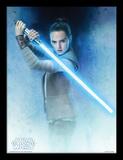 Star Wars: The Last Jedi - Rey Lightsaber Guard Collector Print
