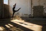 Beautiful Young Ballerina Dancing in Abandoned Building. Fotografisk trykk av Sasa Prudkov
