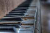 Old Piano Reproduction photographique par Nathan Wright