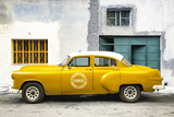 Cuba Fuerte Collection - Honey Pontiac 1953 Original Classic Car Fotografisk tryk af Philippe Hugonnard