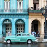 Cuba Fuerte Collection SQ - Colorful Architecture and Turquoise Classic Car Reproduction photographique par Philippe Hugonnard