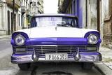 Cuba Fuerte Collection - Old Ford Purple Car Fotografie-Druck von Philippe Hugonnard