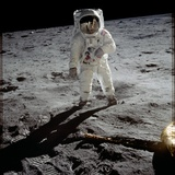 Astronaut Edwin 'Buzz' Aldrin Standing on the Moon after the Apollo 11 Landing, 20 July 1969 Fotoprint
