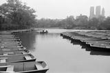 Empty Boats in Central Park Impressão fotográfica por  Bettmann