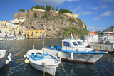 Marina Corta harbor, Lipari Island, Aeolian Islands, UNESCO World Heritage Site, Sicily, Italy Lámina fotográfica por Marco Simoni