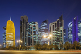 Qatar, Doha, Doha Bay, West Bay Skyscrapers, dusk Reproduction photographique par Walter Bibikw
