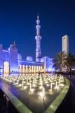 UAE, Abu Dhabi, Sheikh Zayed bin Sultan Mosque, exterior, dusk Reproduction photographique par Walter Bibikw
