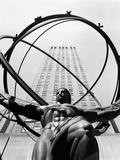 1950s Statue of Atlas at Rockefeller Center Midtown Manhattan Reproduction photographique