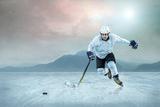 Ice Hockey Player on the Ice, Outdoor. Fotografie-Druck von Andrey Yurlov