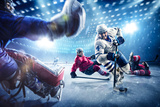 Hockey Players Shoots the Puck and Attacks Fotografie-Druck von  103tnn