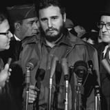 Fidel Castro arrives at Washington airport, 1959 Fotografisk tryk af Warren K. Leffler