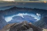 Scenery at Gunung Rinjani, the Crater Lake Fotografisk trykk av Christoph Mohr