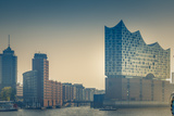 Germany, Hamburg, Harbor, Hafencity, Elbphilharmonie, Sculpture 'Nana on a Dolphin' Reproduction photographique par Ingo Boelter