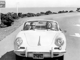 BULLITT by Peter Yates with Steve McQueen and Jacqueline Bisset (voiture decapotable Porsche 356 C  Photo
