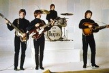 HELP, 1965 directed by RICHARD LESTER Paul McCartney, George Harrison, Ringo Starr and John Lennon  Foto