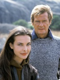 FOR YOUR EYES ONLY, 1981 directed by JOHN GLEN Carole Bouquet / Roger Moore (photo) Photo