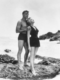 FROM HERE TO ETERNITY, 1953 directed by FRED ZINNEMANN Burt Lancaster and Deborah Kerr (b/w photo) Photo