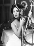 CAT ON A HOT TIN ROOF, 1958 directed by RICHARD BROOKS Elizabeth Taylor (b/w photo) Photo