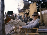 Laurence Harvey and John Ford sur le tournage du film Alamo by JohnWayne, 1960 (photo) Foto