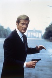 Octopussy by John Glen with Roger Moore, 1983 (photo) Photo
