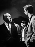 PSYCHO, 1960 directed by ALFRED HITCHCOCK On the set, Alfred Hitchcock and Anthony Perkins (b/w pho Foto