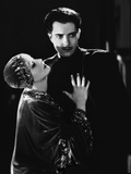 MATA HARI, 1932 directed by GEORGE FITZMAURICE Greta Garbo / Ramon Novarro (b/w photo) Foto