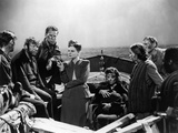 Lifeboat by Alfred Hitchcock with Walter Slezak, Hume Cronyn, Tallulah Bankhead, Heather angel and  Foto