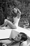 La piscine by Jacques Deray with Alain Delon and Romy Schneider, 1969 (b/w photo) Photographie