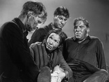 Lifeboat by Alfred Hitchcock with Hume Cronyn, Mary Anderson, John Hodiak and William Bendix., 1944 Foto