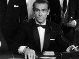 Dr No by Terence Young with Sean Connery, 1962 (b/w photo) Foto