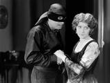 THE MARK OF ZORRO (Le signe by Zorro) by Fred Niblo with Douglas Fairbanks, Marguerite by la Motte, Photo