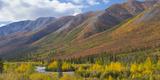 USA, Alaska, Brooks Range. Mountain landscape with stream. Fotografie-Druck von Jaynes Gallery