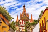 Aldama Street Parroquia Archangel Church. San Miguel de Allende, Mexico. Premium-Fotodruck von William Perry