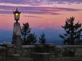 USA, Oregon, Portland. Mt. Hood with moonrise at sunset. Fotoprint van Jaynes Gallery