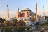 Turkey, Istanbul. Sultan Ahmet Mosque, Rooftop view. Reproduction photographique Premium par Emily Wilson