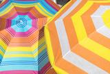 Colorful beach umbrellas Premium fotoprint van Lisa S. Engelbrecht